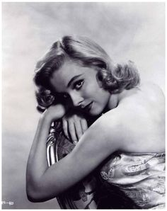 Diane McBAIN Old Hollywood Glamour, Vintage Hollywood, Diane, Great Women, Old Movies, The Good Old Days, Classic Beauty, Elvis Presley, American Actress