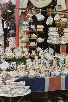 Looks like tea time lovers heaven: Alice's on Portobello Road, London My Tea, Boutiques, Afternoon Tea, Tea Set, Tea Time, Tea Cups, Pastels, Display, Holiday Decor