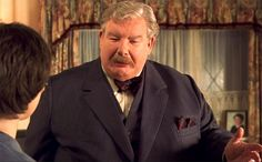 Richard Griffiths got a world fame when appeared on the serial about Harry Potter playing Uncle Vernon. He was also popular as a stage actor and won even 4 different awards for the play The History Boys. Griffiths sadly died at the age of 65 from complications following a heart surgery. He left behind a real estate worth $5 million.