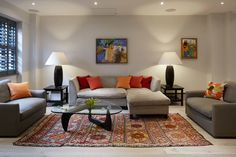 LIVING SPACE : Salas de estar modernas por REIS LONDON LTD