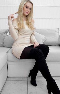 Lookin' so gorgeous @jennylee_91 in her beige one-shoulder dress. #LBSDaily