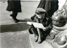 Мальчик с книгой. Автор Кривоносов Юрий, 1950.jpg