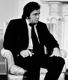 Johnny Cash was een countryzanger, gitarist, singer-songwriter, acteur en auteur.
