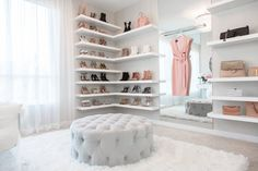 This walk-in closet designed by lisa adams of la closet design features a chic staging area that's social media ready. photography courtesy of la closet Walk In Closet Design, Closet Designs, Sala Glam, Closet Bedroom, Bedroom Decor, Dream Bedroom, Placard Design, Home Design, Interior Design
