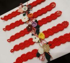Мартенско с нарцис Оригинална мартеница-гривна Плетена на една кука мартеничка