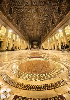 Santa Maria Maggiore, Roma by Emanuele Serraino.  Stayed in a youth hostel just around the corner from here when I went to Europe!  How cool!