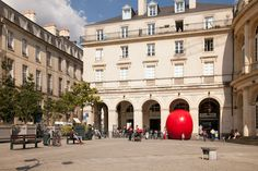 the redball project squeezes into place de la mairie in france