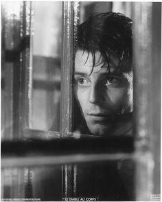 """Gérard Philipe dans le rôle de François Jaubert, """"Le Diable au corps"""" de Claude Autant-Lara, 1947 (Raymond Voinquel, 1946)"""