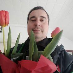 Minden Zoltán nevű ismerősömnek boldog nőnapot kívánok!