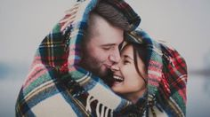 O amor existe para nos dar felicidade e aquecer nosso coração. Esse sentimento merece ser sentido completamente. Ame quem te completa, não quem te divide!