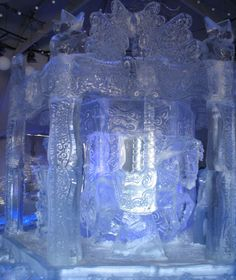 Enjoy photos of the Quebec Carnival -- Carnaval de Québec-- a family event that celebrates winter to the fullest (with a map). Quebec Winter Carnival, Snow Sculptures, Snow Art, Winter Festival, Snow And Ice, Quebec City, Family Events, Things To Do, Cool Stuff