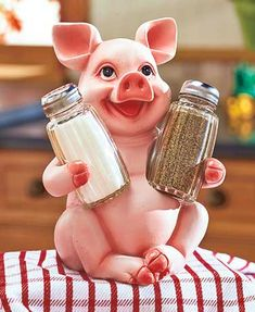 Add a delightful accent to your eating area with the Woodland or Barnyard Animal Salt and Pepper Set. It's sure to be a conversation starter when guests come to dinner. A cute barnyard or woodland animal holds a pair of glass salt and pepper shakers in i