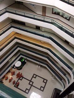Oficinas Credomatic en San Pedro, San José Sand Blasting o Vinyl Frost para ventanas externas. www.elementosvisuales.com tel. 2738-0112 wsp. 8703-9302 4 Photos, Four Square, Stairs, Mansions, House Styles, Home Decor, San Jose, Offices, Windows