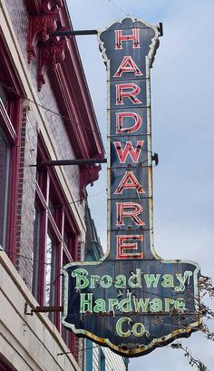 Blade sign, Broadway Hardware Co. Vintage Neon Sign in Westport Kansas City Missouri Old Neon Signs, Vintage Neon Signs, Old Signs, Kansas City Missouri, Advertising Signs, Vintage Advertisements, Neon Moon, Sign Design, Vintage Style