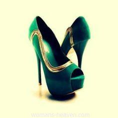 Green heels image,green heels, moda,style, fashion, high heels, image, photo, pic, pumps, shoes, stiletto, women shoes http://www.womans-heaven.com/green-heels-image-3/