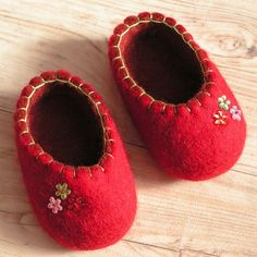 Individuals sought for: sew little one blocks!, come across a very large number handmade, old, and diverse items and presents related to each of your search. Baby Doll Shoes, Felt Baby Shoes, Doll Shoe Patterns, Felted Slippers, Baby Boots, Ugg Boots, Waldorf Dolls, Baby Crafts, Fabric Dolls