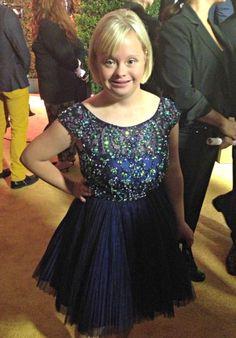 I love becky! Lauren Potter, Down Syndrome Kids, Glee Cast, Big Party, Queen, Prom Dresses, Formal Dresses, Mean Girls, War Paint