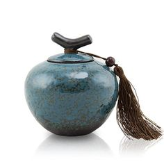 - Turquoise ceramic cremation urn for pets, hand crafted in northern China, using ancient Song Dynasty kiln firing techniques. - Glaze's final colors will vary between each handmade urn. - The elegant Ceramic Pottery, Ceramic Art, Burial Urns, Pet Cremation Urns, Dog Urns, Keepsake Urns, Memorial Urns, Ceramic Boxes, Modern Ceramics