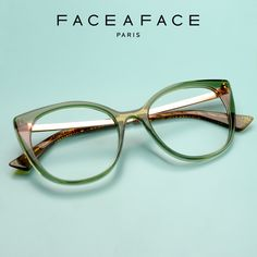 Parisian FACE A FACE exudes audacity, always exquisite and daring, drawing inspiration from Modern Art, architecture and contemporary design. __________ #FACEAFACE_paris __________ #ANOUK #paris #frames #designer #handmade #instaglasses #fashion #accessories #glasses #design #eyewear #faceaface #montures #lunettes #opticalframes #acetateframes #handmade #faceaface