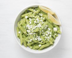 Easy Green Pea Pasta with Feta and Pesto. Dinner will be ready in about 20 minutes Pesto Spinach, Arugula, Feta Pasta, Real Food Recipes, Healthy Recipes, Quick Weeknight Dinners, Green Peas, How To Cook Pasta