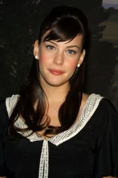 "Welcome to Loving Liv Tyler! Liv Tyler (born July is an American actress, best known for her role as Arwen in ""The Lord of the Rings"" trilogy. Beautiful Celebrities, Beautiful Actresses, Beautiful Women, Brunette Beauty, Hair Beauty, Live Taylor, Steven Tyler, Famous Faces, American Actress"