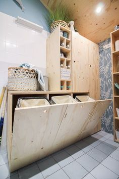 644 Likes, 18 Comments - Suzanne Plywood Interior, Diy Interior, Bathroom Interior, Home Interior Design, Küchen Design, House Design, Laundry Room Inspiration, Laundry Storage, Laundry Room Design