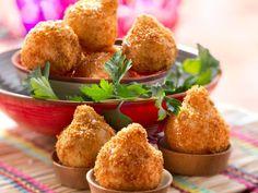 Panierte Hähnchenkroketten auf brasilianische Art ist ein Rezept mit frischen Zutaten aus der Kategorie Hähnchen. Probieren Sie dieses und weitere Rezepte von EAT SMARTER!