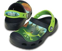Ready for some prehistoric fun? Step into these special-edition clogs featuring characters from The Good Dinosaur™. All of the cushion and comfort kids love is here, thanks to our Croslite™ foam construction. A heel strap also delivers a secure fit. Free shipping on qualifying orders.