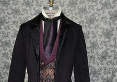 Men's TieAscotCravatNeck by OnceUponABustle on Etsy, $25.00