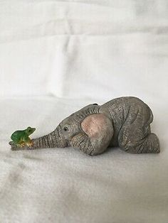 Tuskers By Country Artists Baby Elephant With Frog 91104 By Barry Price 2003 Artist Signatures, Country Artists, Baby Elephant, Animals, Ebay, Elephant Baby, Animales, Baby Elephants, Animaux