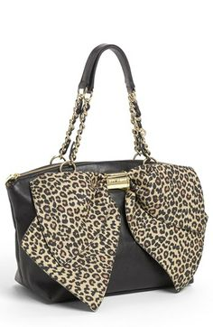 Betsey Johnson 'Bow-Nanza' Satchel - I just bought this only the bag is leopard print and the bow is tan. Cute Handbags, Purses And Handbags, Bag Jeans, Fashion Bags, Fashion Accessories, Betsey Johnson Purses, Bow Bag, Cute Purses, Beautiful Bags