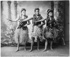 STUDIO PORTRAIT - HULA DANCERS