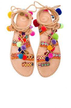 Moda: #Sandali #pom #pon: quale smalto abbinare? (link: http://ift.tt/2aPqBP6 )