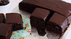 Banana and chocolate cake recipe easy Chocolate Cake Recipe Easy, Chocolate Recipes, Chocolate Desserts, Easy Cake Recipes, Sweet Recipes, Sin Gluten, Milk Cake, Square Cakes, Asian Desserts
