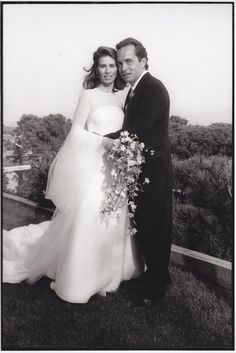 Anthony Radziwill married Carole Ann Di Falco, on 27 August 1994 on Long Island, New York. Los Kennedy, Caroline Kennedy, Jacqueline Kennedy Onassis, Housewives Of New York, Real Housewives, Celebrity Couples, Celebrity Weddings, Carole Radziwill, Lee Radziwill