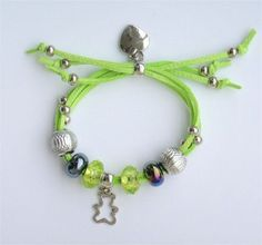 Bransoletka beads rzemyk serduszko misiu zielona. Śliczna dla dziewczyny. Biżuteria dla dzieci http://allegro.pl/bransoletka-beads-rzemyk-serduszko-misiu-zielona-i6847731099.html.