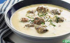 Zucchinicremesuppe mit Hackbällchen :http://gesunderezepte.me/zucchinicremesuppe-mit-hackbaellchen/
