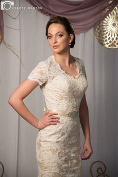 Buy & sell new, sample and used wedding dresses + bridal party gowns. Your dream wedding dress is here - at a truly amazing price! Designer Wedding Gowns, Wedding Dress Trends, Used Wedding Dresses, Bridal Dresses, Formal Dresses, Vintage Fashion, Vintage Style, Ivory, Overlay