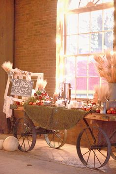 apple cider bar http://www.weddingchicks.com/2013/10/11/alabama-wedding/