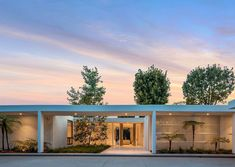 Joe Roth Bought a Midcentury Modern House in Beverly Hills – DIRT Midcentury Modern, Beverly Hills, Mid Century, Mansions, House Styles, Interior And Exterior, Outdoor Decor, Home Decor, Decoration Home