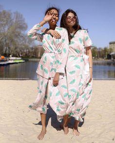 Мы всегда знали, что погода - та ещё девочка 🙈 Лето пришло в Москву только в августе 😳🙌🏻🎉 А мы и не против - стилисты T-Skirt уже оперативно все придумали: просто приходи и примеряй или заглядывай на www.tskirt.ru и выбирай онлайн 🎀 #tskirt #tskirtSummerSale #ss17360428fs #ss17280429fs