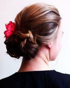 A single red flower worn in hair is a perfect choice for a Valentine's Day Wedding. Style shown by I do on-site hair and makeup Valentines Day Weddings, Red Flowers, Veil, Wedding Hairstyles, Hair Makeup, Wedding Day, Wedding Inspiration, Hair Accessories, Bridal