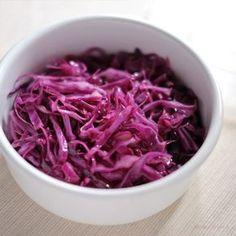 紫キャベツのさっぱりとした味付けと千切りの食感が、くせになる味わいです。 弁当や自炊・料理初心者の方にもおすす...