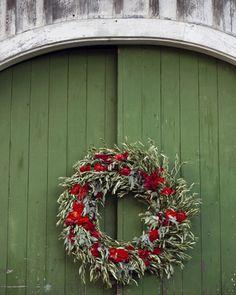 A bounteous wreath decorated the barn door.