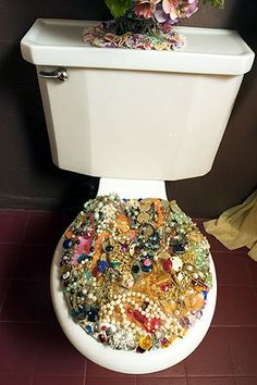 Bedazzled toilet at the home of Louise Jay Toilet Chair, Toilet Seats, Feng Shui, Pirate Bathroom, Christmas Scenes, Bling, Cool Rooms, Mosaic Art, Room Decor Bedroom
