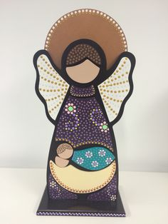 Angel de la Guarda (puntillismo) Bottle Painting, Dot Painting, Painting Patterns, Stone Painting, Hobbies And Crafts, Diy And Crafts, Arts And Crafts, Diy Box, Mandala Art