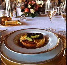 Custom-made plate made for Alain Ducasse at the Louis XV restaurant in Monaco. Décor spécial créé pour Alain Ducasse au restaurant Le Louis XV à Monaco. #alainducasse