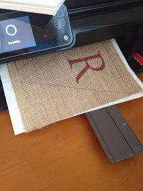 The best DIY projects & DIY ideas and tutorials: sewing, paper craft, DIY. Diy Crafts Ideas How to Print on Burlap -ReadDIY: How to print on burlap with an inkjet printer. This is a game changer for crafts, home decor, ECT.Print as you normally would Burlap Projects, Burlap Crafts, Crafty Projects, Diy Projects To Try, Paper Crafts, Burlap Wreaths, Burlap Decorations, Burlap Banners, Diy Paper