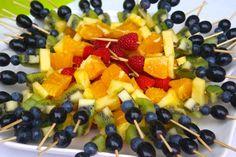 Pinchos de fruta para una fiesta de verano! / Summer fruit kebabs!