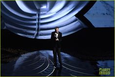 Sam Smith Sings 'Writing's On the Wall' at Oscars 2016 (Video): Photo #935595. Sam Smith sings his heart out while performing his nominated song at the 2016 Academy Awards held at the Dolby Theatre on Sunday (February 28) in Hollywood.    The…